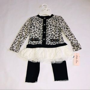 NWT 2 pcs Long Sleeve Leopard Pattern 24M